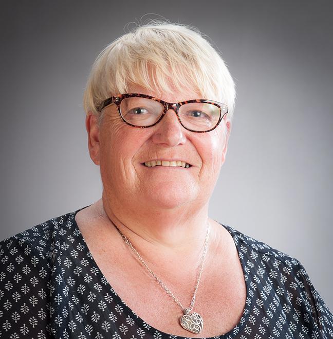 Sandra Milne profile-picture photograph