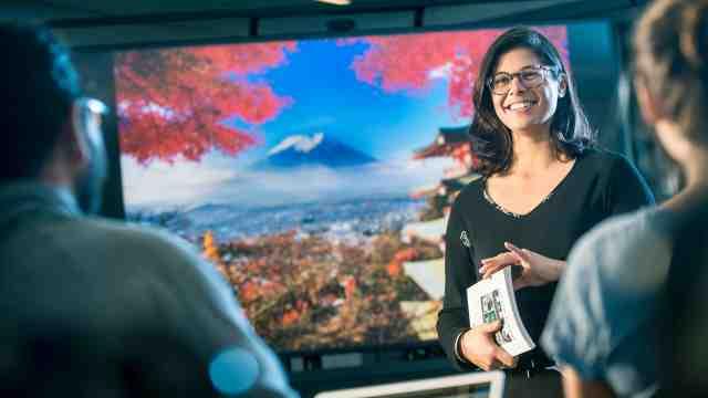 Masina Taulapapa is studying a Master of International Trade at Victoria University.