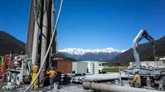 Scientists drilling in the Southern Alps