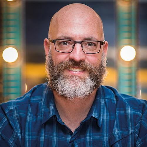 Dr James McKinnon