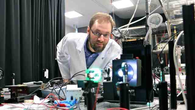 Dr Jonathan Halpert is part of a group of scientists to receive Rutherford Discovery Fellowships.