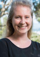 Gloria Fraser profile-picture photograph