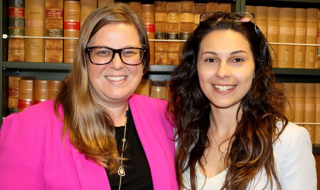 Fleur Knowsley at her speaking event at the Faculty of Law, pictured with alumna Nadia Cooper
