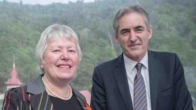 Karori Sanctuary Trust chair Denise Church and Victoria's Vice-Chancellor Professor Grant Guilford