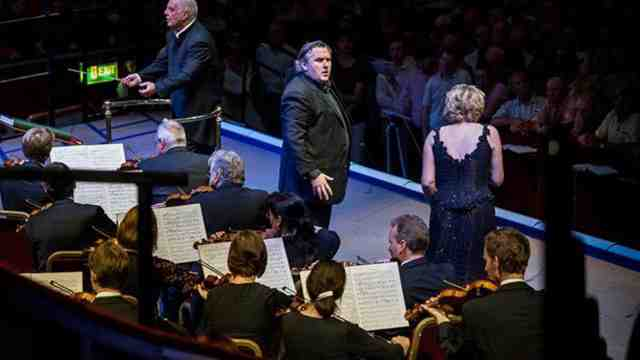 Simon O'Neill performing at the BBC Proms