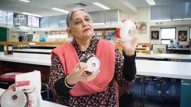 Dr Azra Moeed winner of the Ako Aotearoa Tertiary Teaching Excellence Award