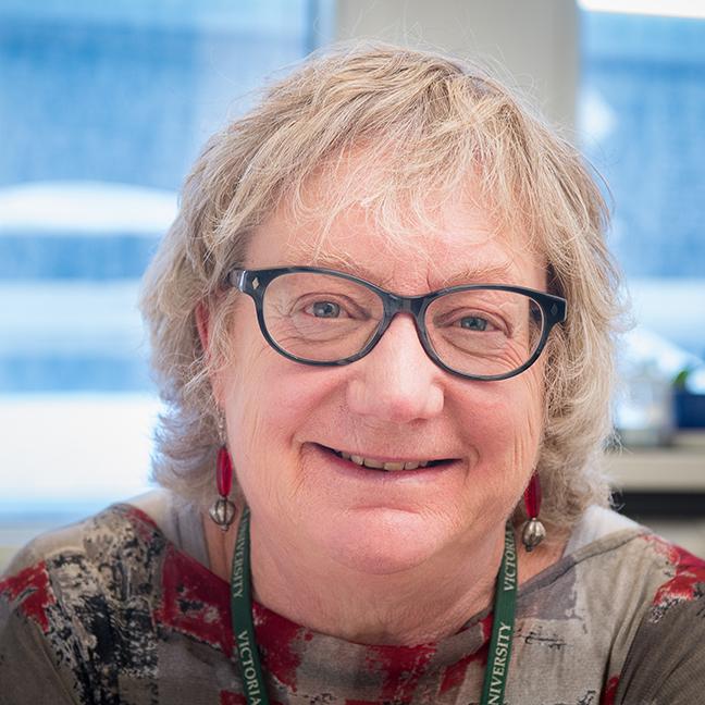 Dr Brenda Chawner