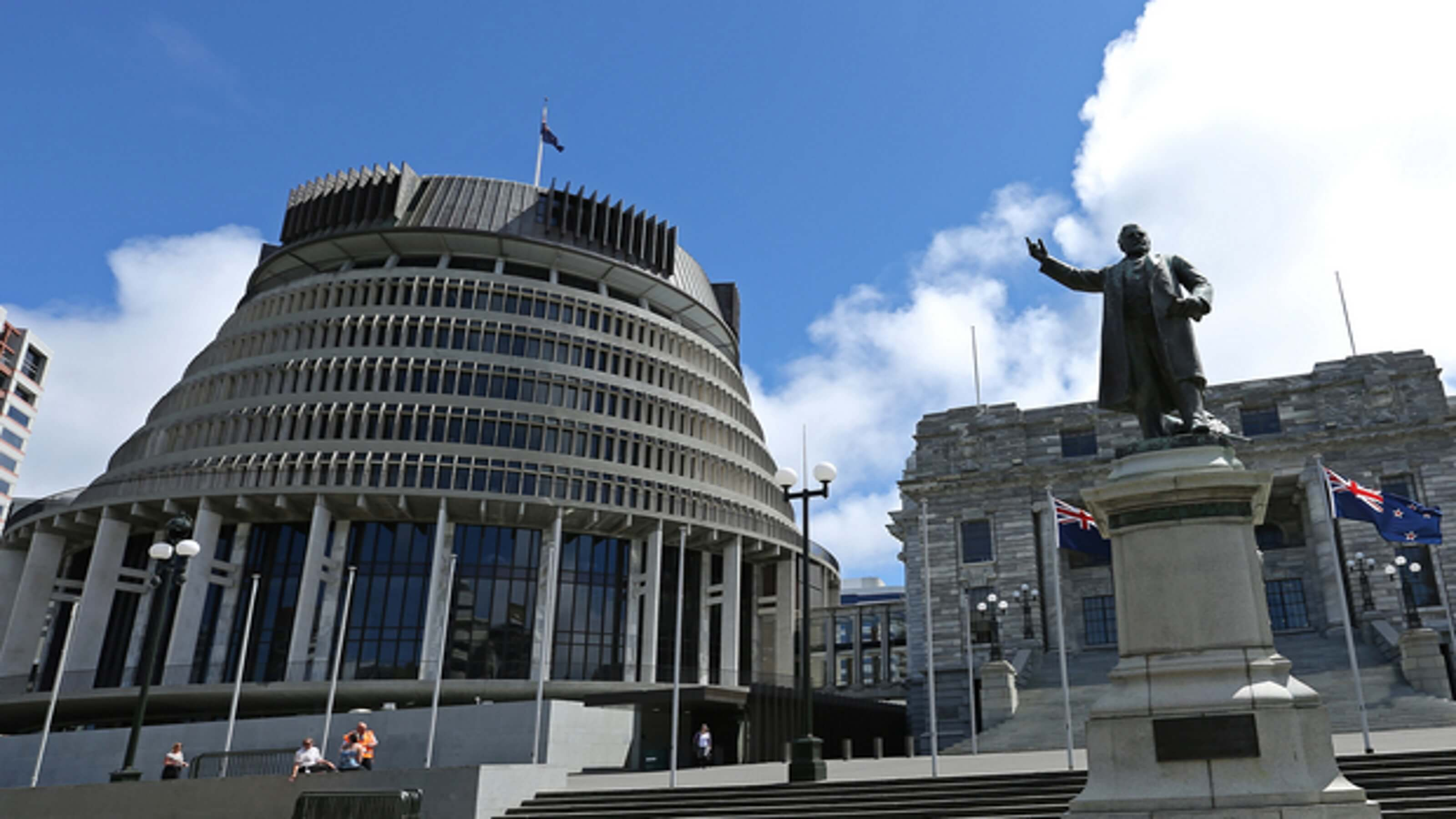 Wellington Parliament buildings with statue of Seddon