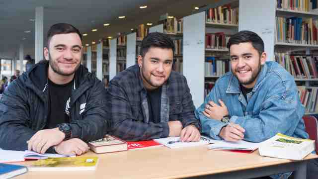 Triplets Eru, Heemi and Tipene Kapa-Kingi choose to study at Victoria and want to take their skills back to their community in Northland.
