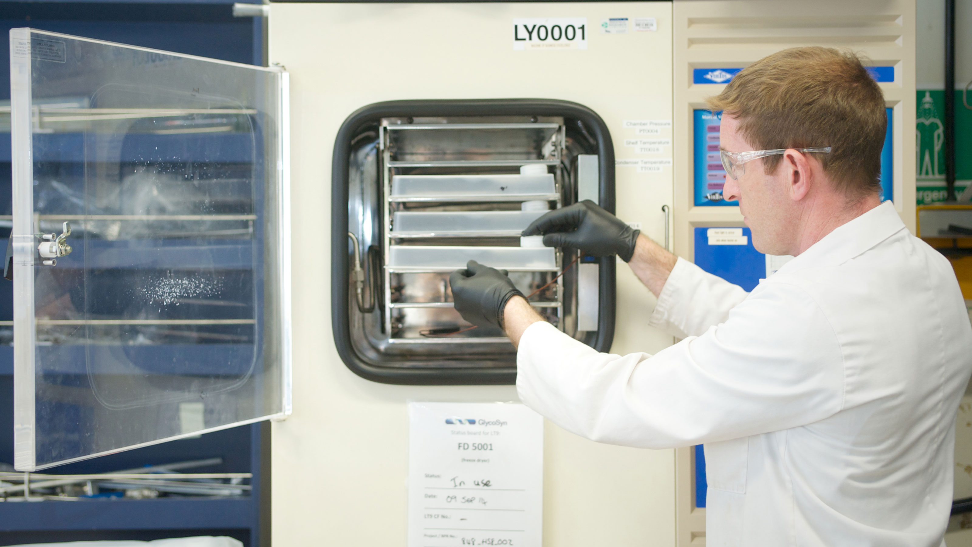 Photograph of Ferrier researcher performing industrial chemistry