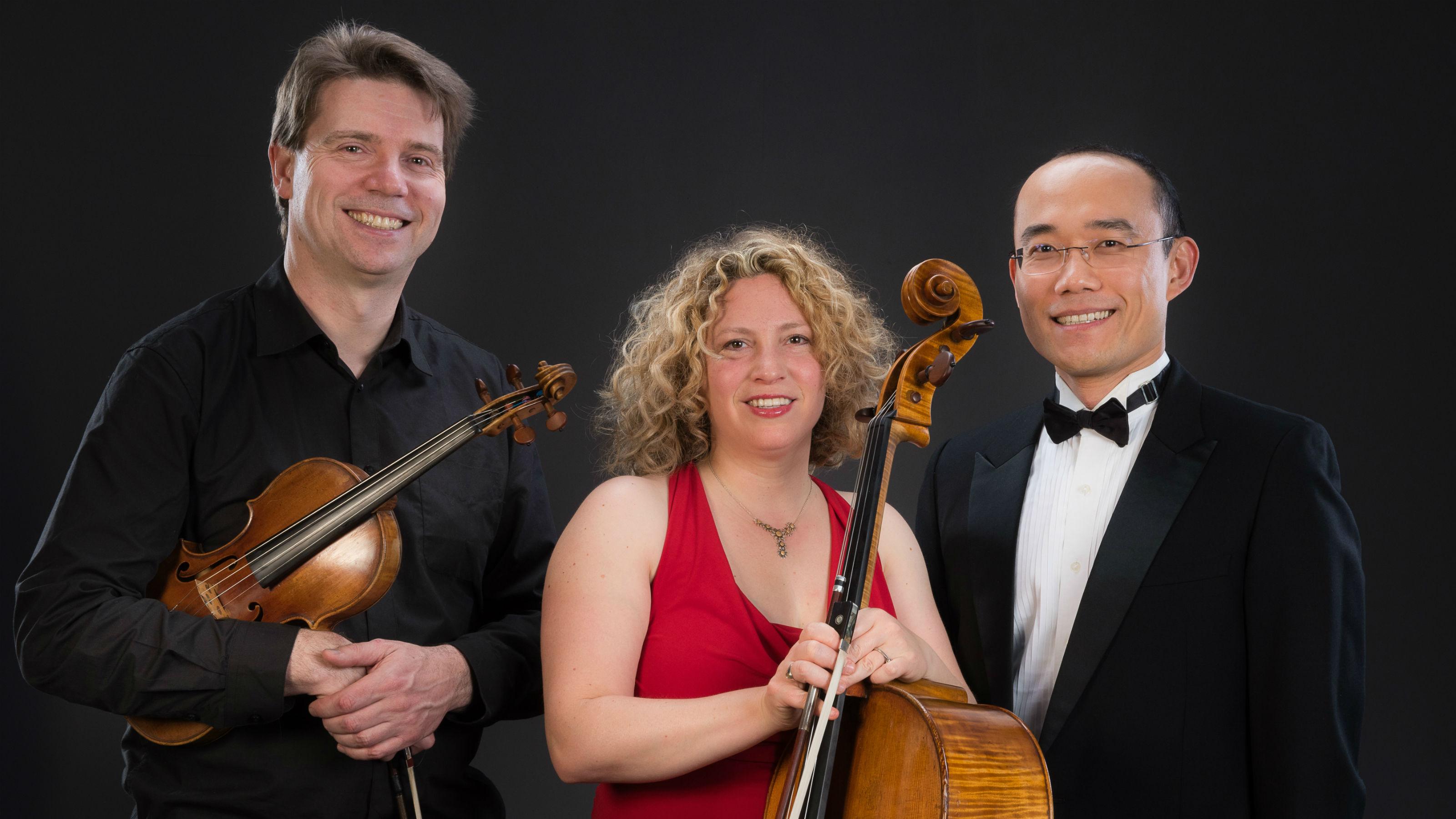 Te Kōkī Trio - Martin Riseley, Inbal Megiddo, Jian Liu